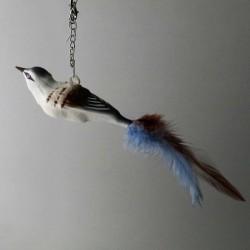 kleiner Vogel mit Glasoese,...